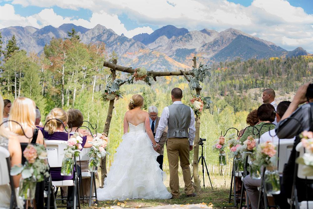 A destination wedding at silverpick lodge colorado weddings colorado a destination wedding at silverpick lodge durango colorado junglespirit Images