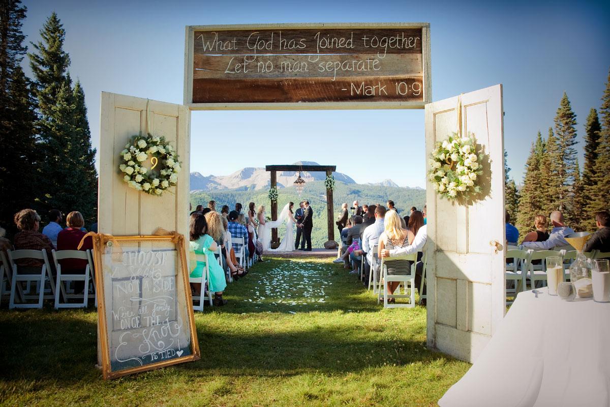 A Glamour Meets Rustic Wedding on Durango Mountain