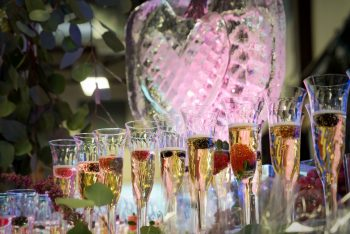 Sky Ute Casino champagne & berries  bar