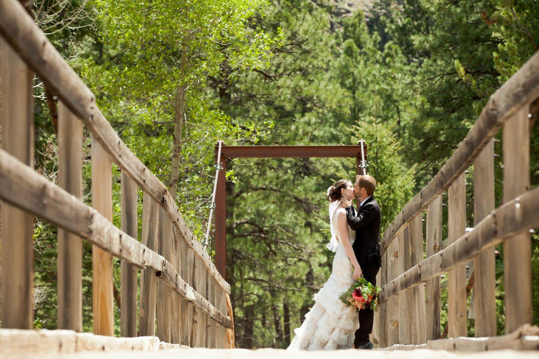 Wedding couple in Durango, Colroado