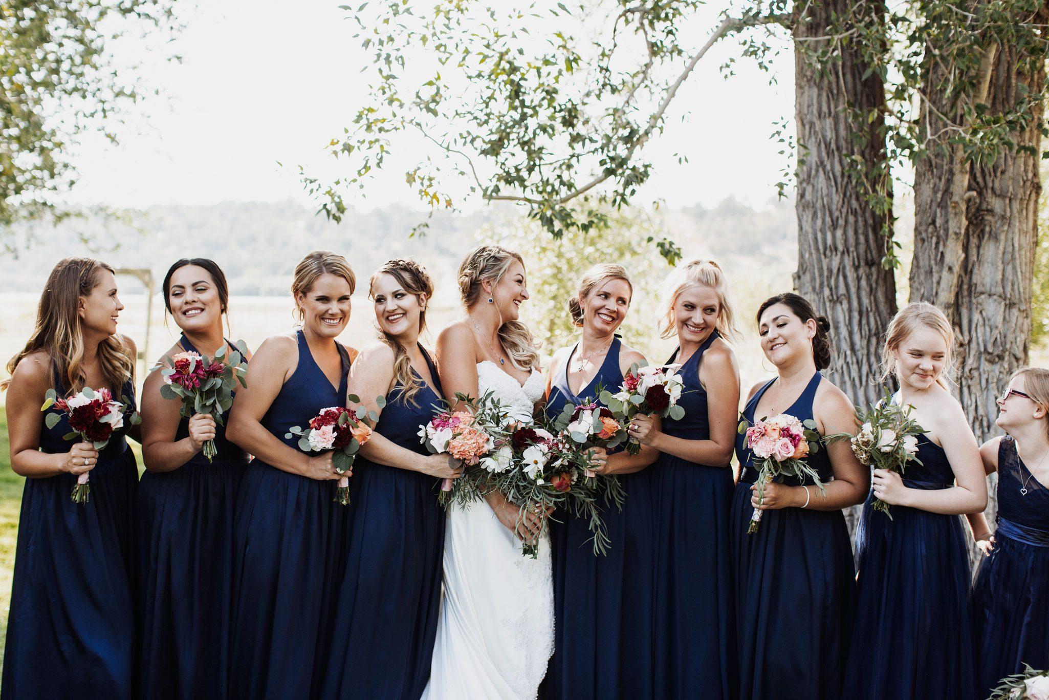 Birdesmaids in navy blue