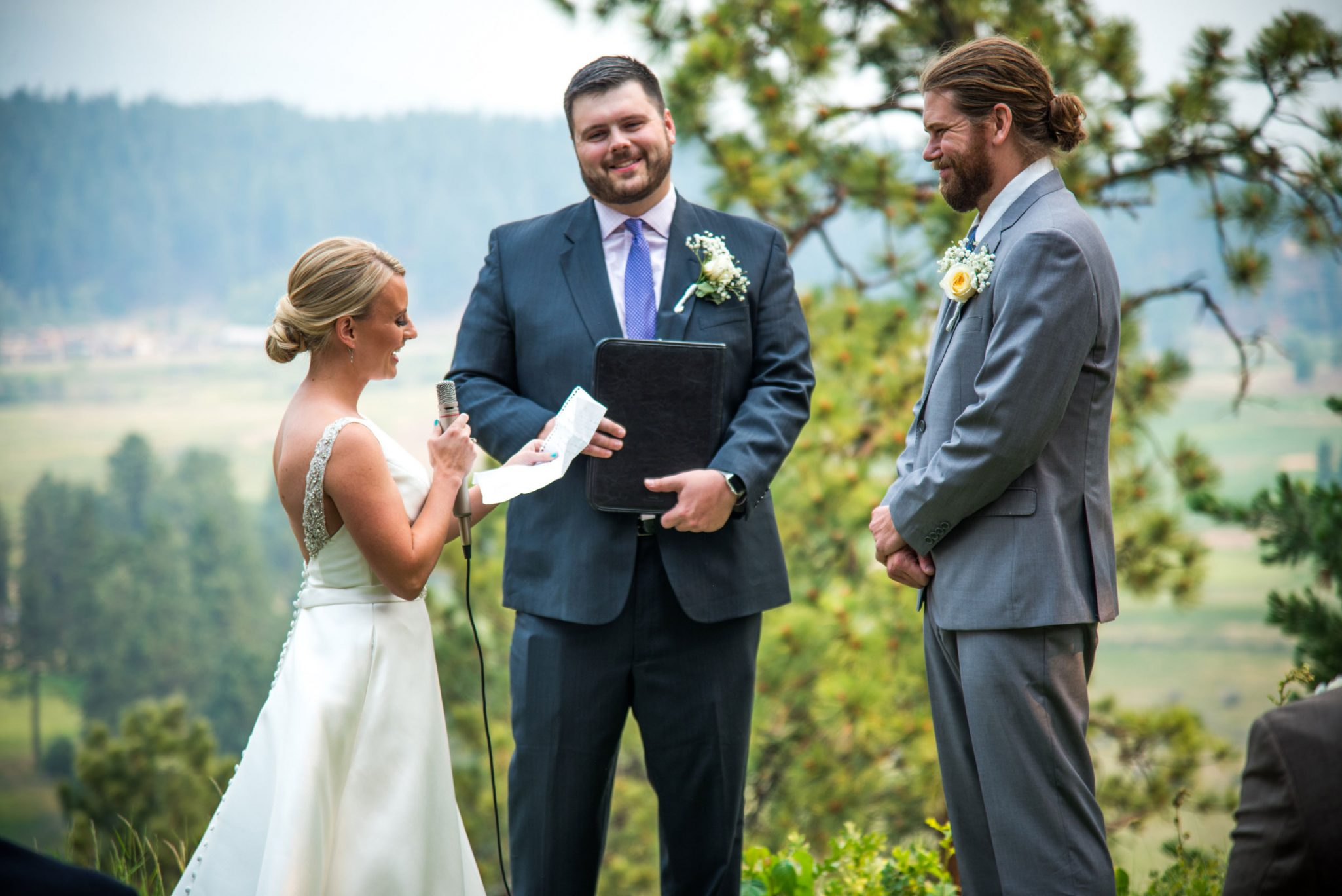 Reciting vows | Ceremony at Glacier Club, Durango Colorado