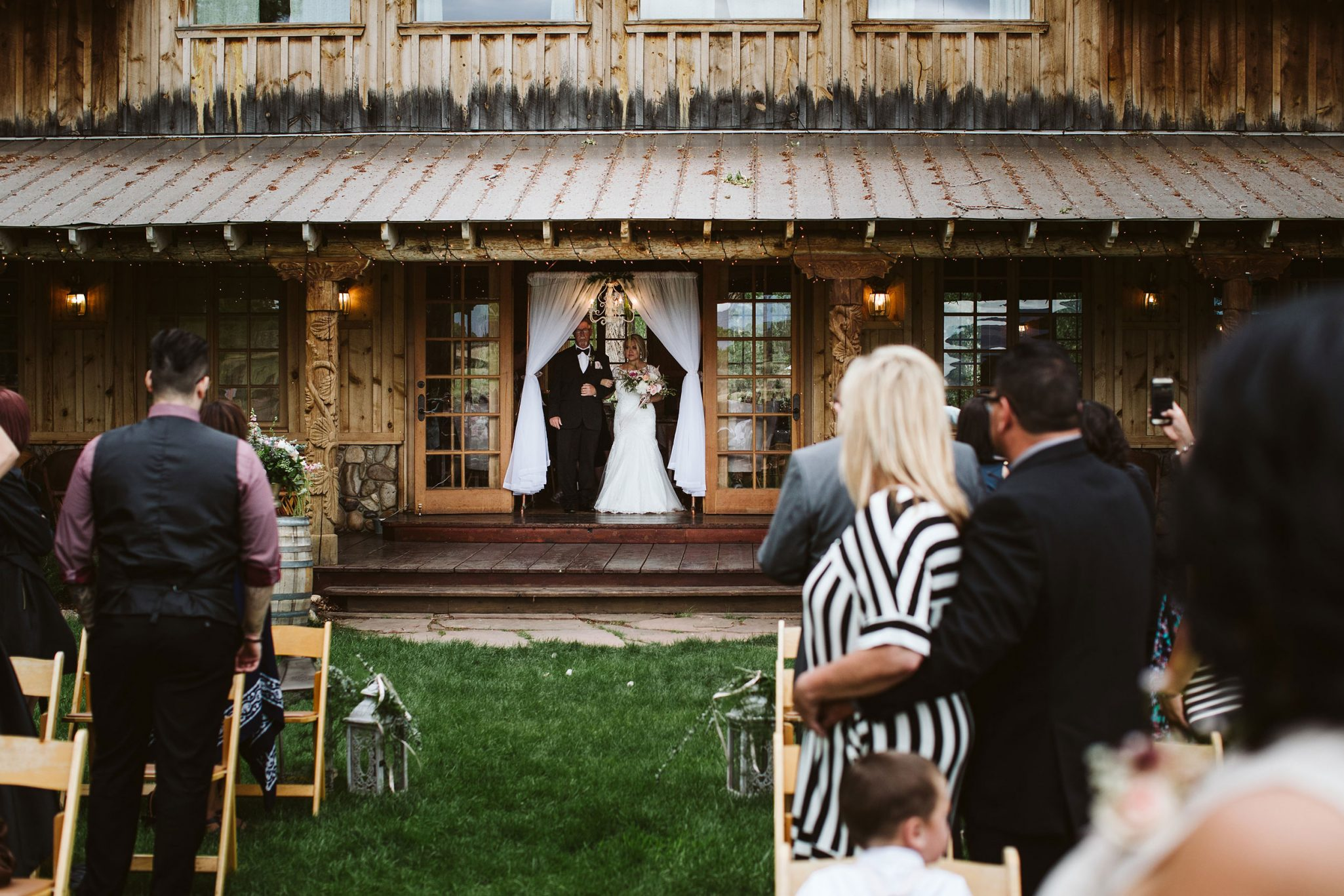 A Fun & Personalized Durango ceremony at Ridgewood Event Center