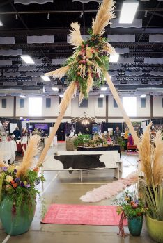 Durango Wedding Expo / floral & decor