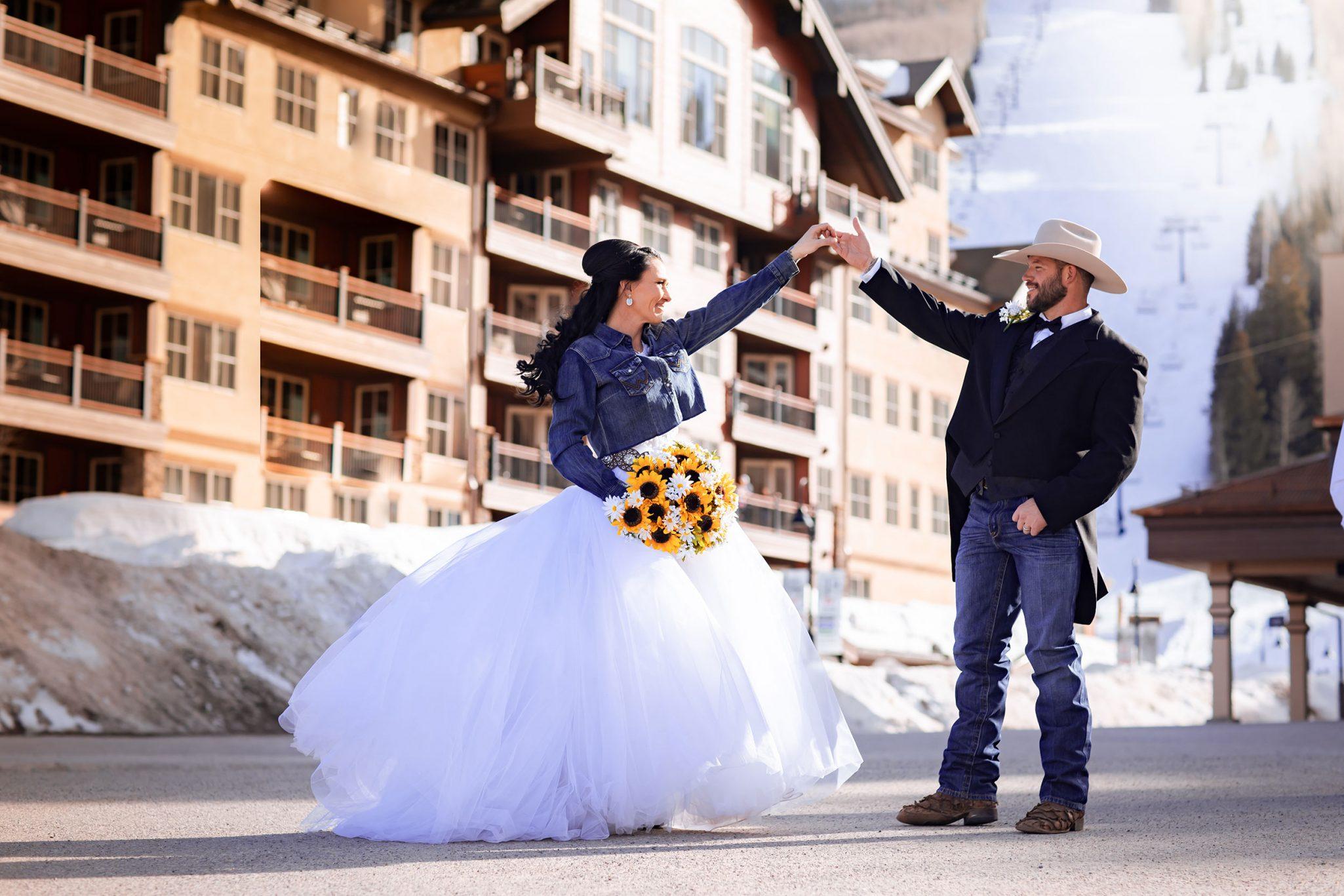 Texas country bride & groom in Durango, Colorado