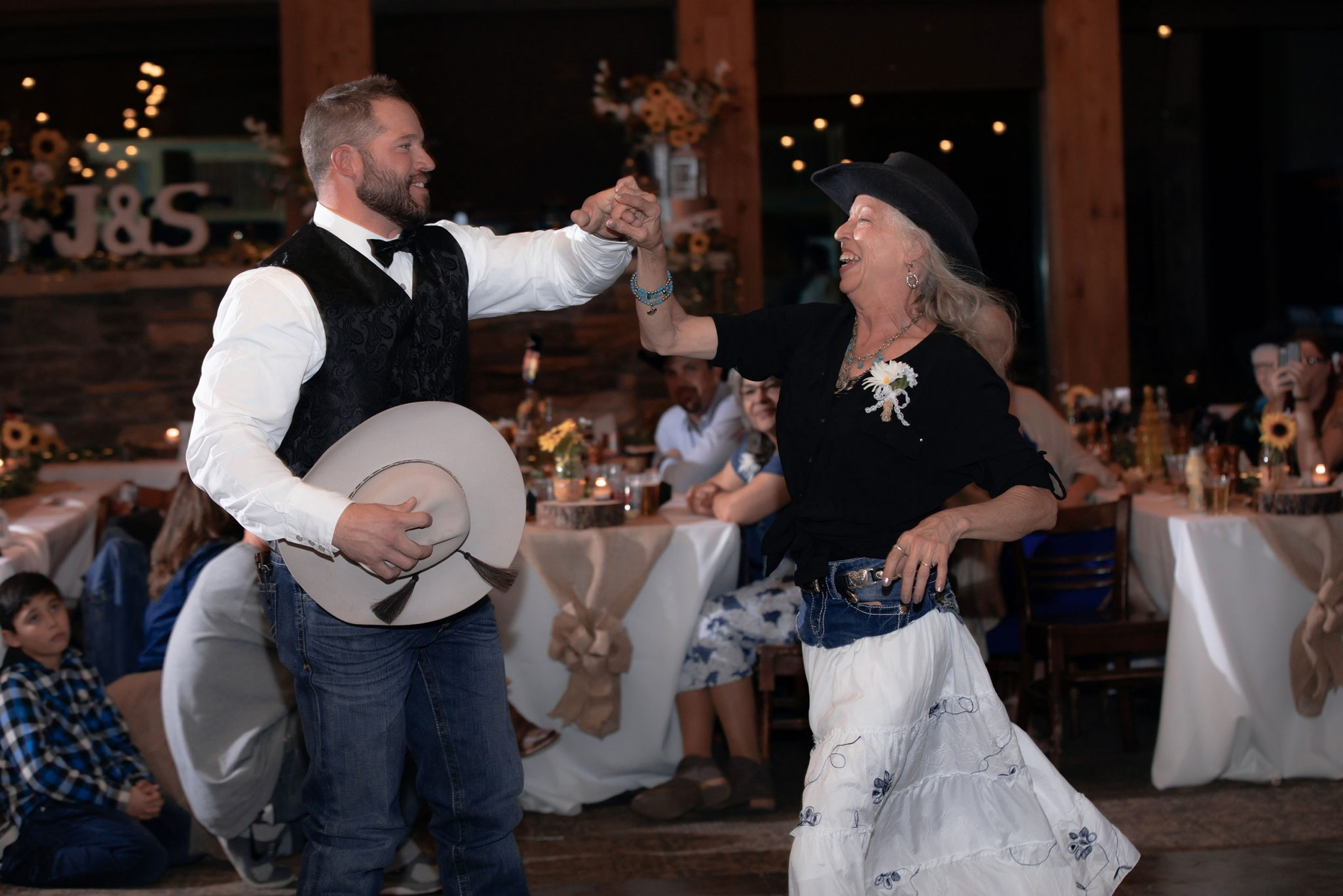 Groom & mom dancing