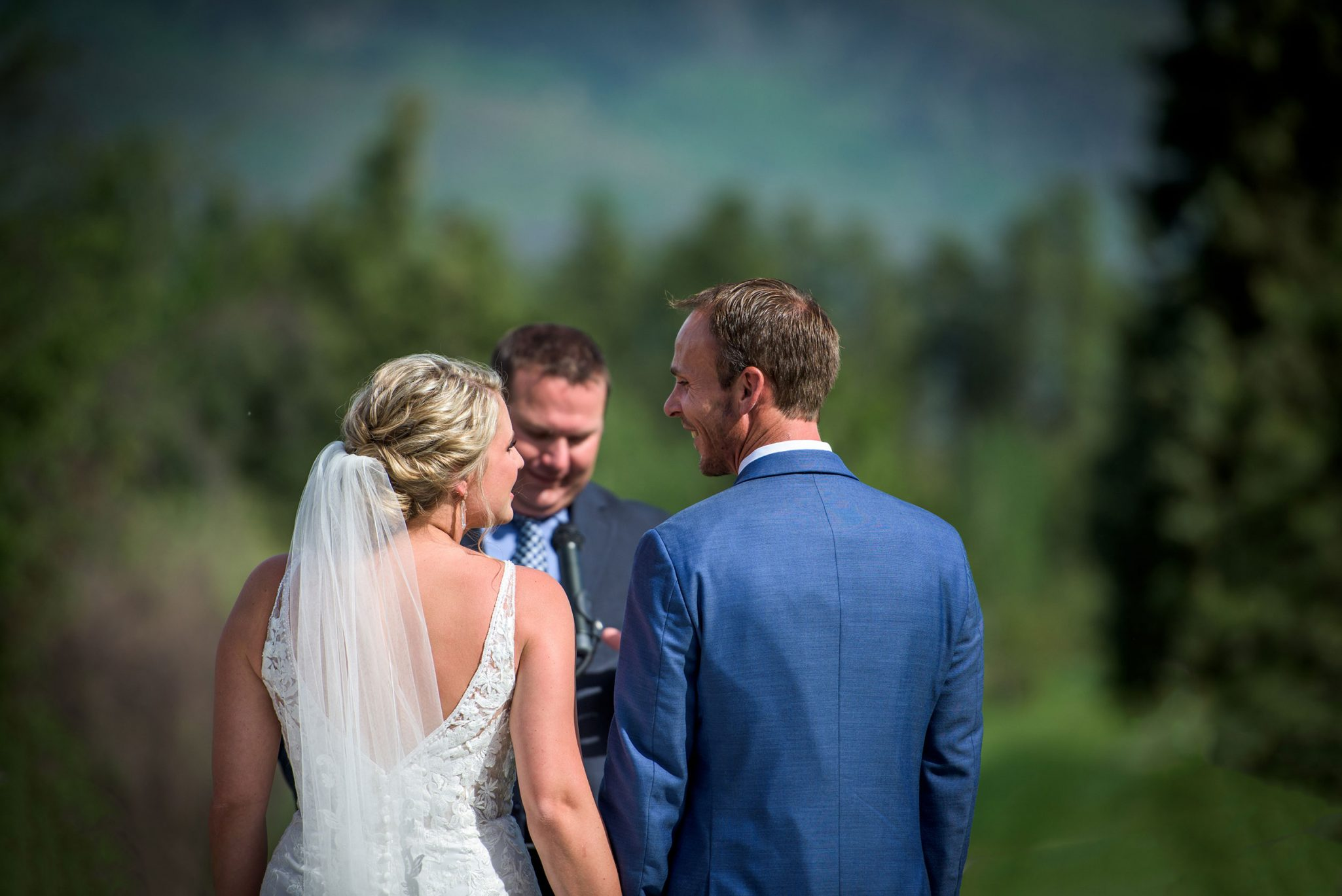 Mountain wedding ceremony | Durango Weddings Magazine