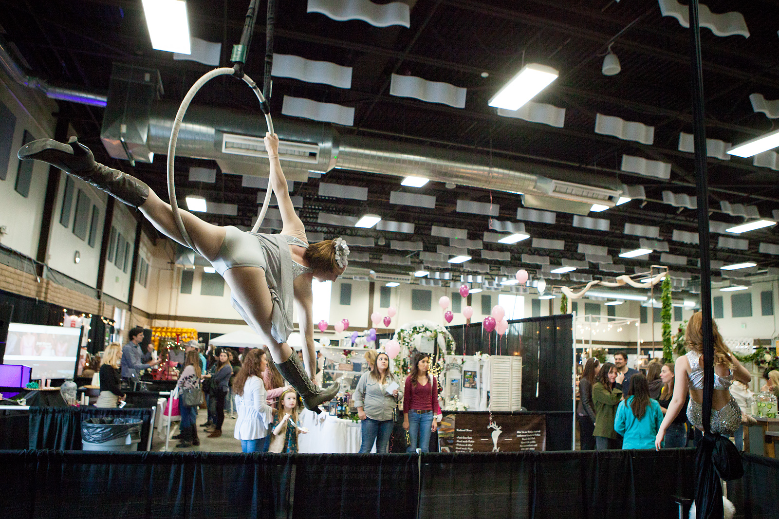Durango Aerial Arts & Acrobatics at the 2020 Durango Wedding Expo