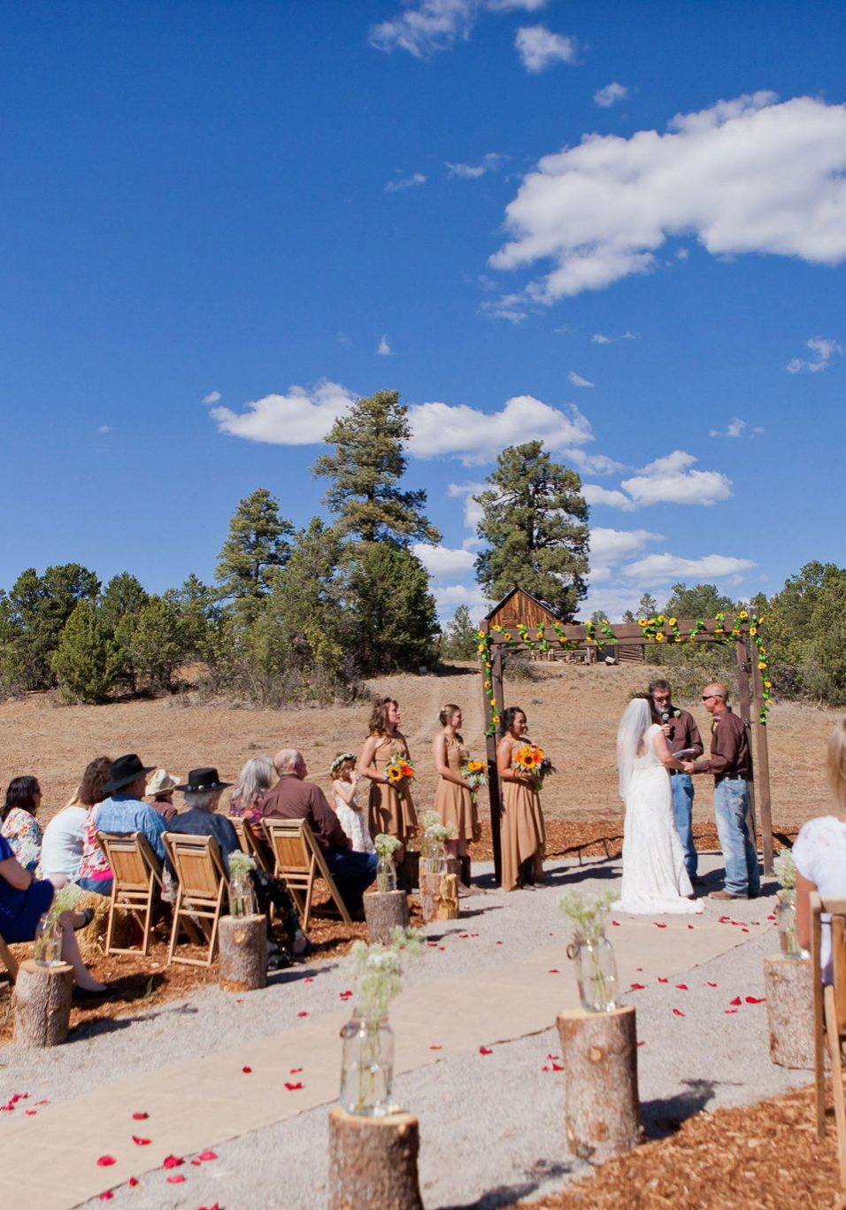 Bridesmaids at Reising Stage wedding venue | Durango Weddings Magazine